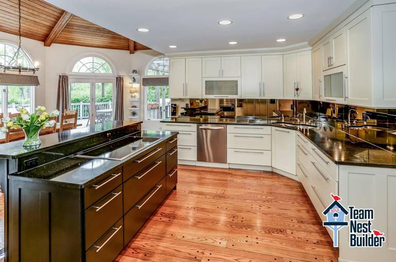 007_Kitchen View 1.jpg