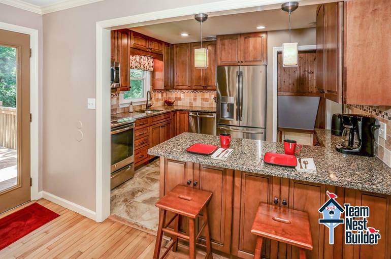 010_Kitchen 1.jpg