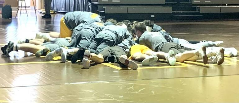 WHRHS Wrestling: Watchung Hills Rolls Over Bridgewater, 47-25