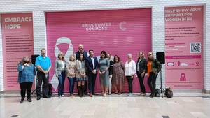 Bridgewater Commons Unveils Mural in Partnership with Connie Dwyer Breast Cancer Foundation