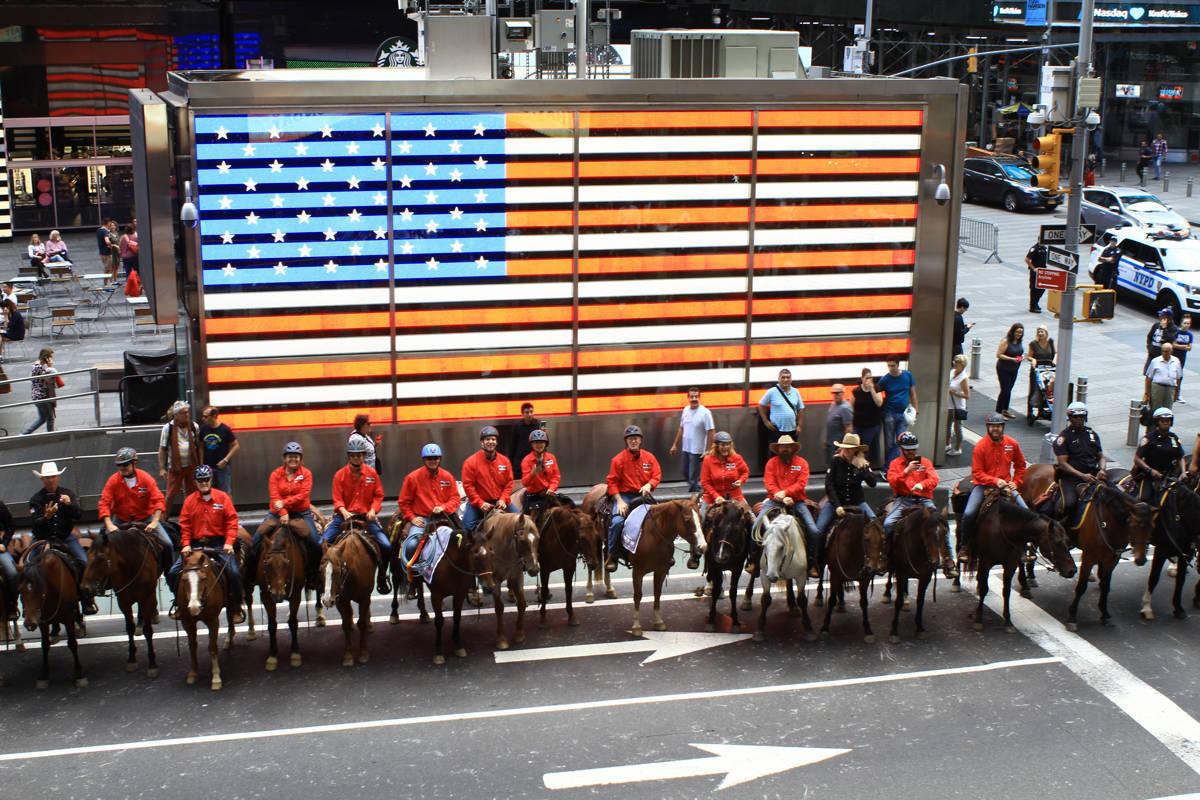 Veterans ride horses in NYC.JPG