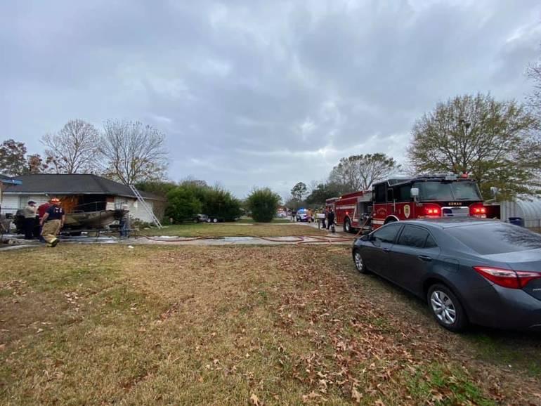 Kemah Boat Fire Ignites Home