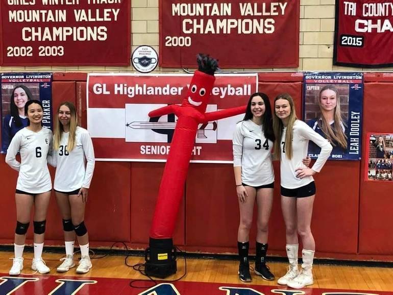 Gov. Livingston Volleyball: Sensational Seniors Help Sink Summit, 2-0, in Volleyball Victory
