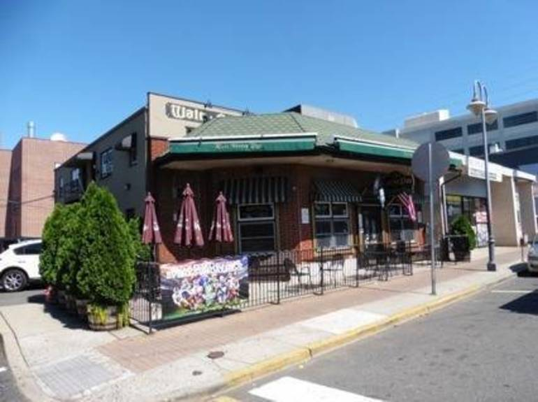Red Bank's Walt Street Pub for Sale