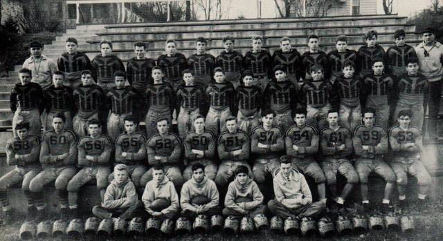 Top story d08e3e6635b6421dd18b 1944 football team picture