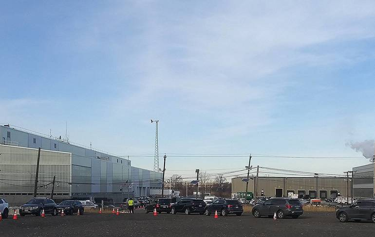 DeGise Welcomes Murphy, Pascrell to Hudson County Vaccine Distribution Center