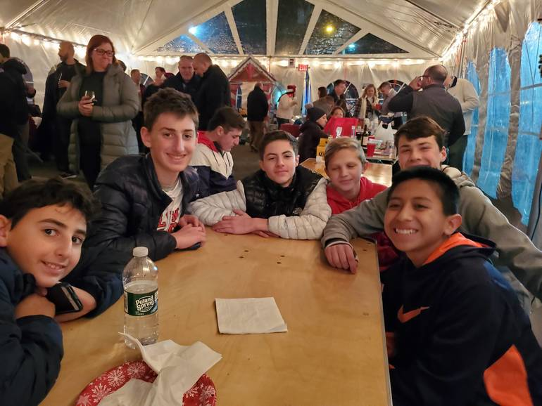 Glen Rock's Home for the Holidays is Back! Send Your Holiday Memories!