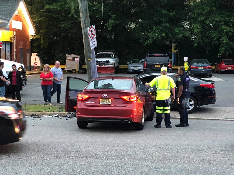 2019 June 13 car crash h.jpg