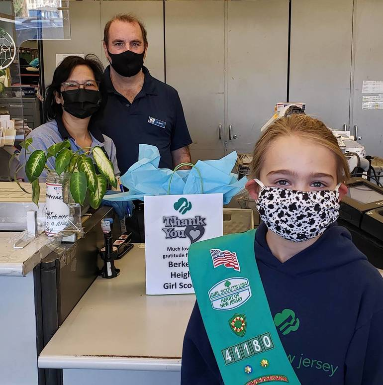 Girl Scouts Write 'Thank You' Letters to Local Workers