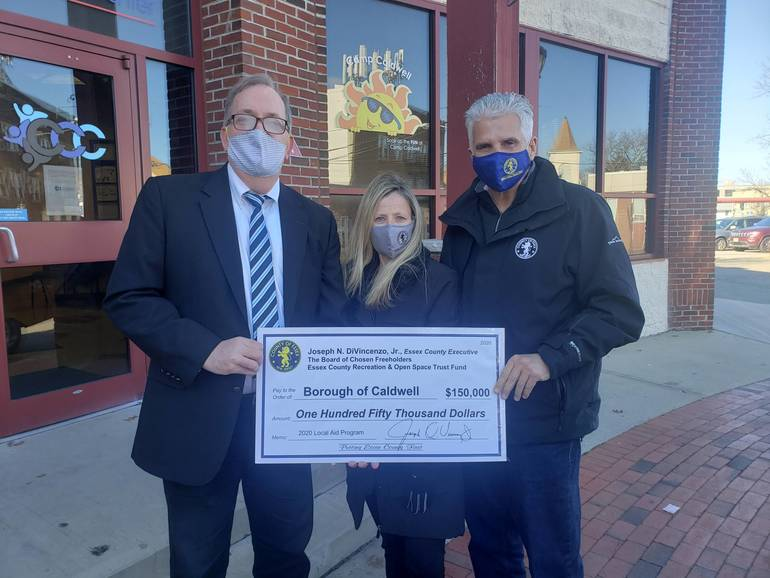 Essex County Presents $150,000 Grant to Caldwell for Property Purchase