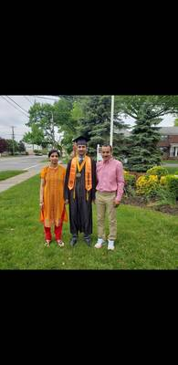 Carousel image 72ecb8646e866693d9bc 2020 anurag pratap with parents from student