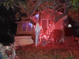 Carousel image 8bd1ed16a50da00788b2 2021 halloween decorated house oct 23 2021