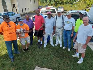 Two Churches Combine Fellowship Work Day at the Red Bank Warming Center