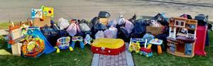 Carousel image f4b5b90fbb7626b6c23a 2020 hh green team toy drive toys final haul