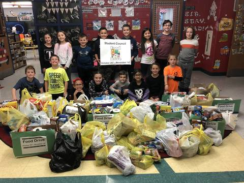 Top story 26581718249f95ffb571 2018 lincoln school student council food drive from jennifer martello
