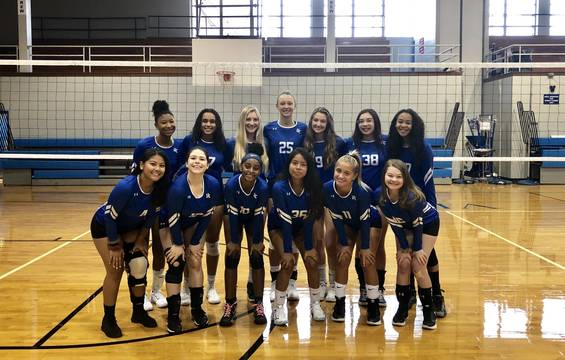 Top story 288e82c7f29e6cd06776 2019 uc girls volleyball team