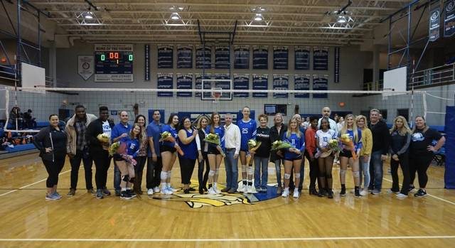 Top story 47d5c68bb673b5549641 2019 uc volleyball senior night