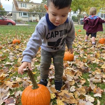 Top story e15018b55a01f02b209d 2020 10 9 22 students enjoy fall at kirby s pumpkin patch
