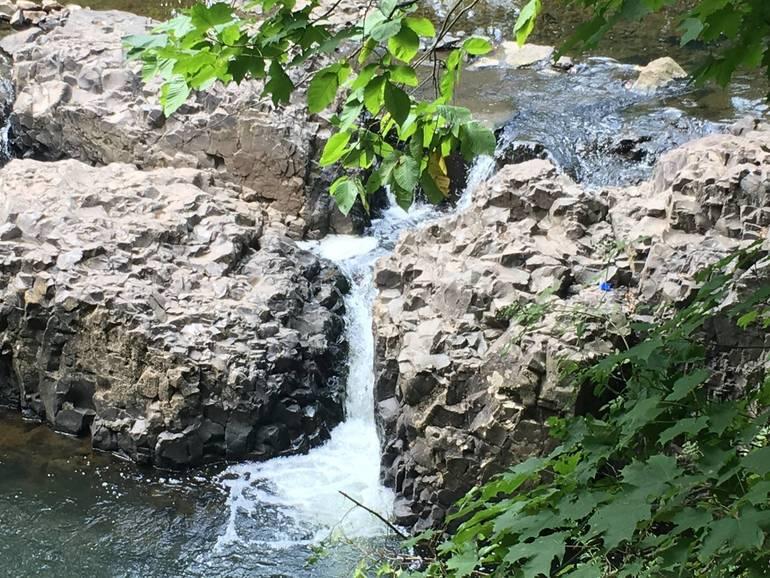 Watchung_Reservation_Waterfall.jpg