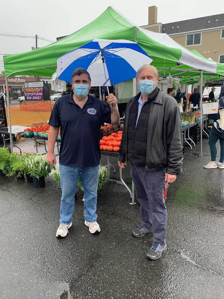 Councilman Ted Spera and Mayor Al Smith at the Scotch Plains Farmers Market on Saturday, May 23.