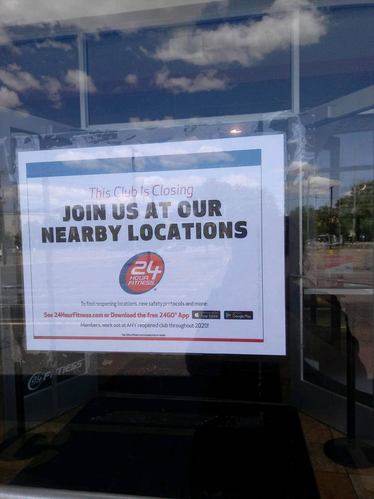 24 Hour Fitness closing sign taken Sun June 14 by Fa.jpg