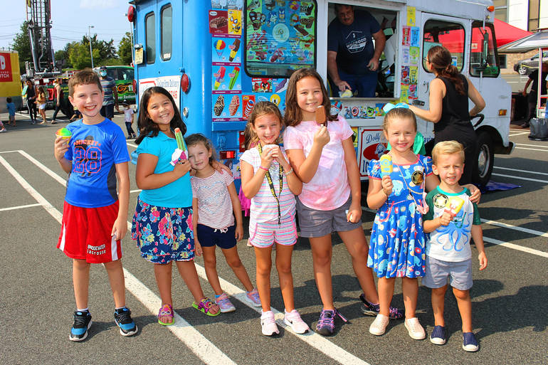 Hundreds Attend Community Day, Sponsored by Bridgewater JCC and Bridgewater Township (Photo Gallery)