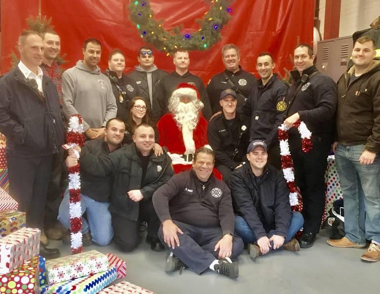 North Plainfield Fire Department Raises $2000, Hosts Santa Claus 2B19D85A-5412-4A21-B3FB-653480B011A9.jpeg