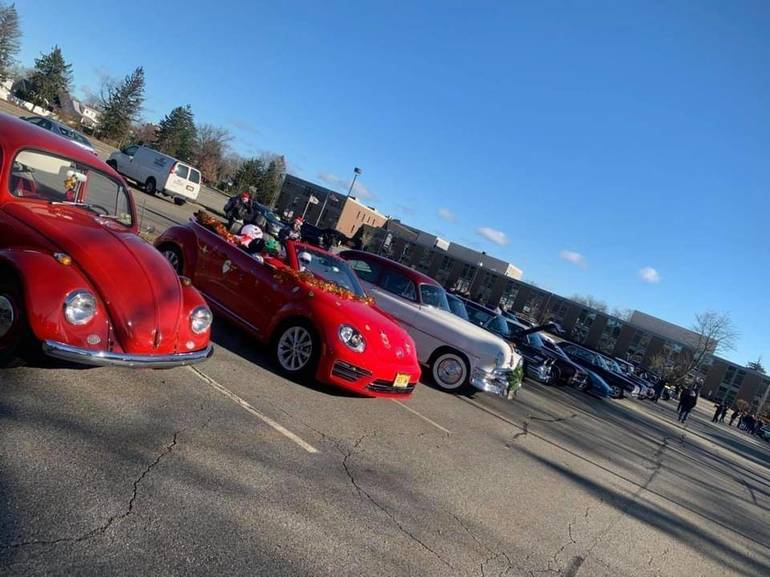 Bloomfield Cruisers Santa Parade and Toy Drive a Big Hit