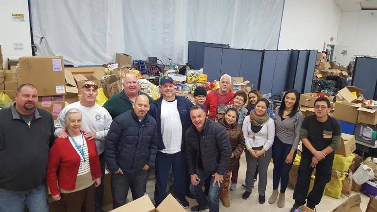 Union Members Donate Over 1000 Pounds of Food to Pantry