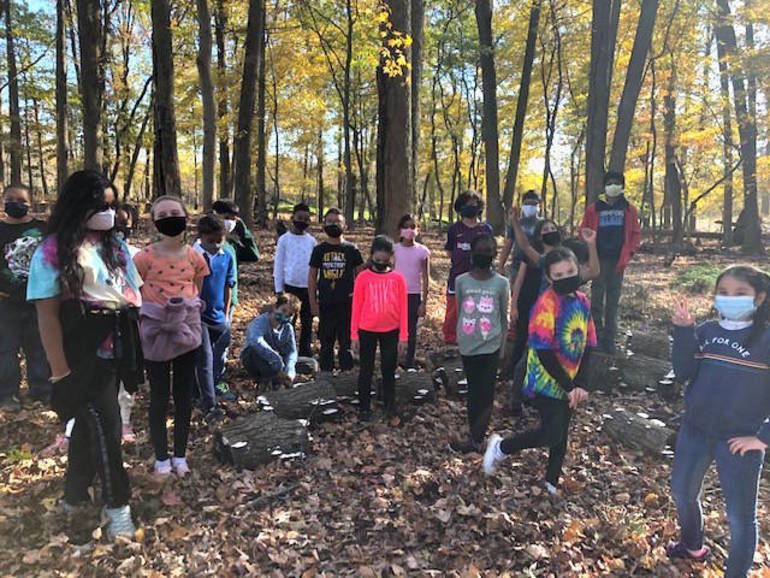 Wardlaw+Hartridge Fourth Graders Explore and Learn Outdoors