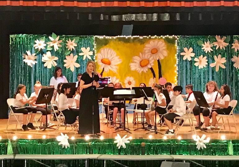4th grade concert band by Michelle Bischoff.jpg