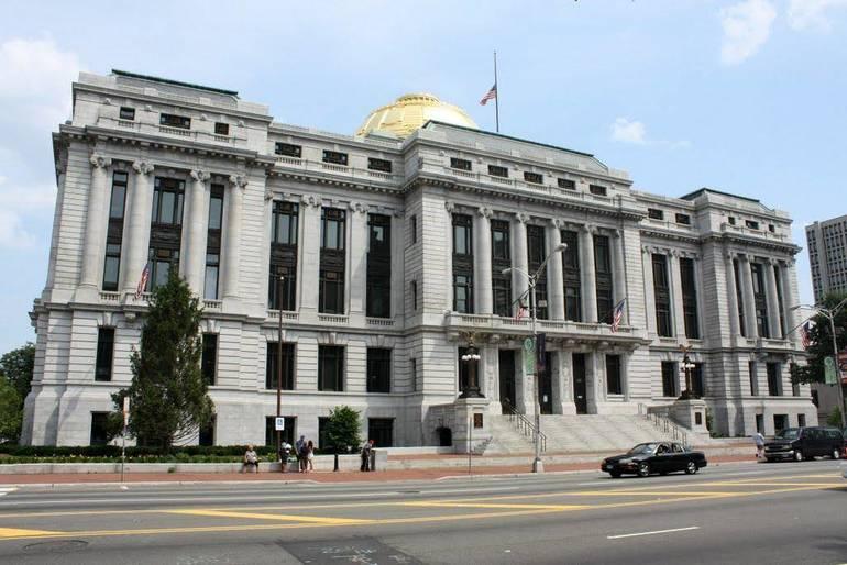 Newark City Hall.jpg