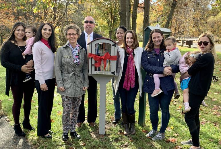 Watchung Mayor Cuts Ribbon on Little Free Library, Thanks Moms Club of Warren, Watchung, and Green Brook 5F853341-F46E-4646-8230-F4142CDE01BA.jpeg