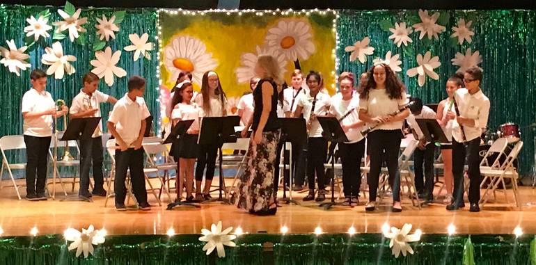 5th grade concert band by Michelle Bischoff.jpg