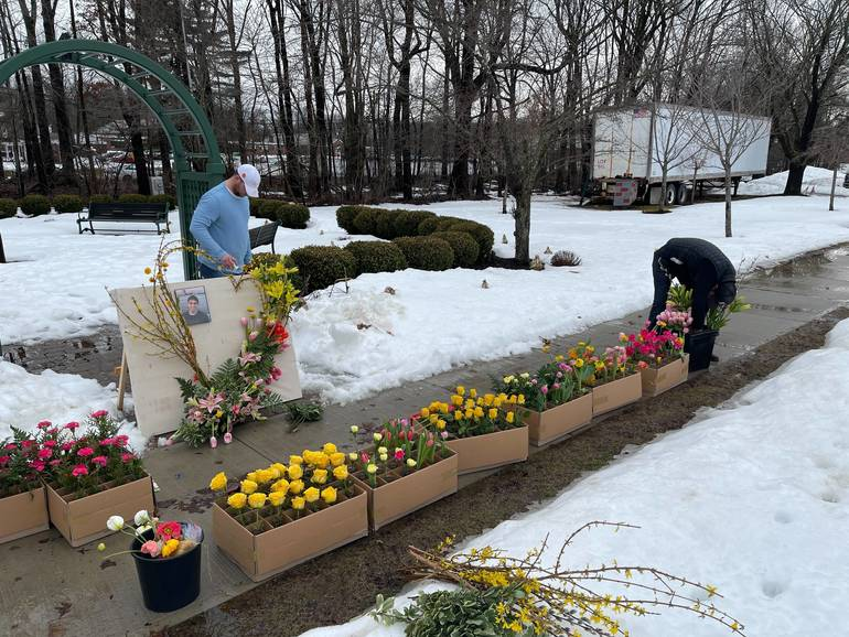 Special Floral Arrangement at Livingston Oval Memorializes Student, Honors Coronavirus Victims