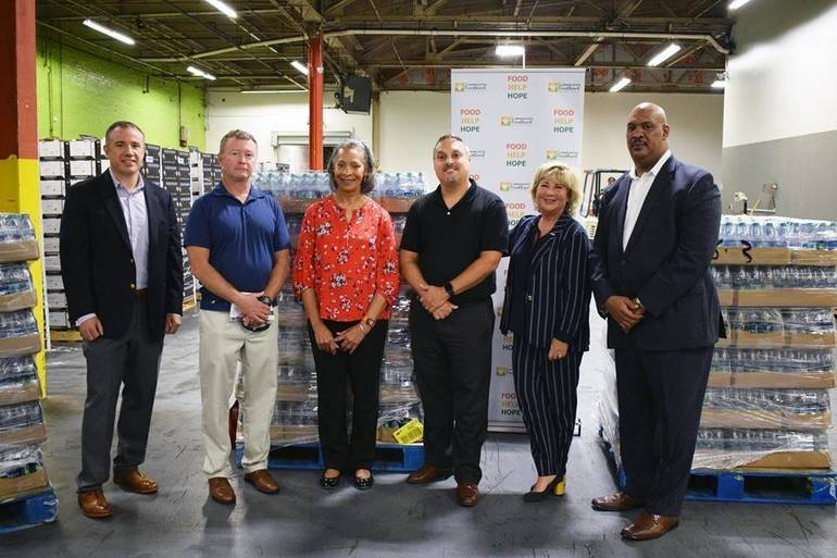 Local  McDonald's Owners Visited the Hillside Community New Jersey Food Bank