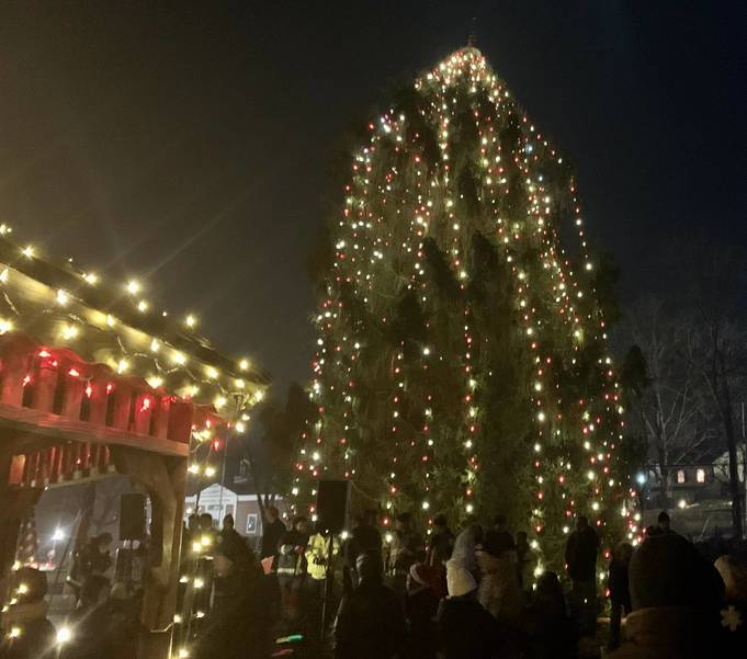 Watchung Rescue Squad's 29th Annual Tree of Lights Festival Lights up Watchung 7ADC00CE-3FCA-42B7-93B8-C7BD3C60FCF6.jpeg