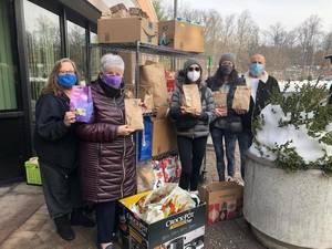 "Livingston's Temple B'nai Abraham Donates Hundreds of ""Christmas Bags of Cheer"""