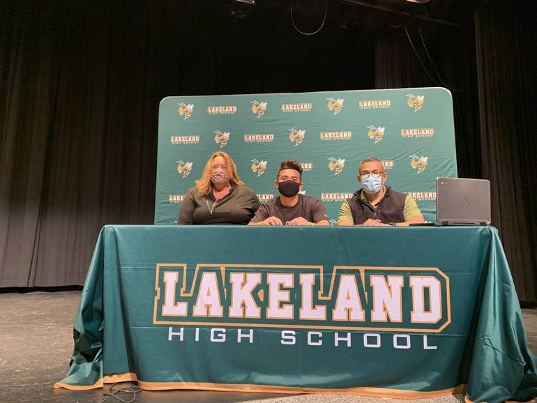 Boys Lacrosse: Five Lakeland Seniors to Play in College