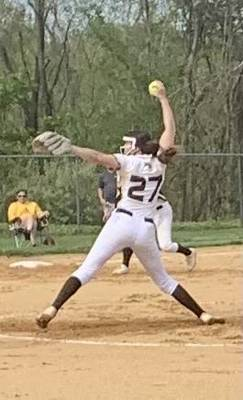 WHRHS Softball Takes Out Montgomery, 3-1