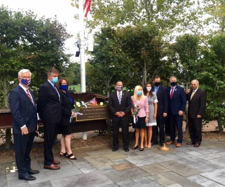 Officials gather at end of memorial ceremony