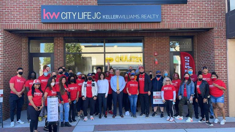 KW City Life Realty Uses Day of Action to Clean Up Community, Feed First Responders