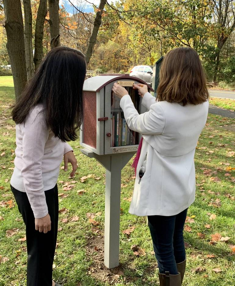 Watchung Mayor Cuts Ribbon on Little Free Library, Thanks Moms Club of Warren, Watchung, and Green Brook 9FA33C07-4004-4CDB-8542-EFFAD1FD6898.jpeg