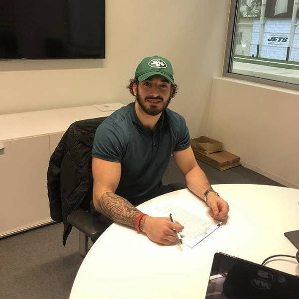 Springfield Football Standout Cioffi Signs Contract With Jets