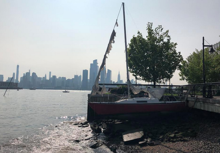 Abandoned Sailboat in Weehawken Cove - July 2019.png