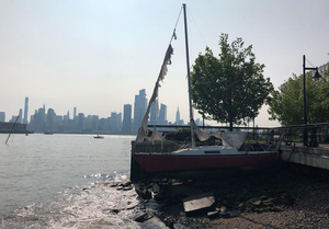 Carousel image c00f43fddf575a92929c abandoned sailboat in weehawken cove   july 2019