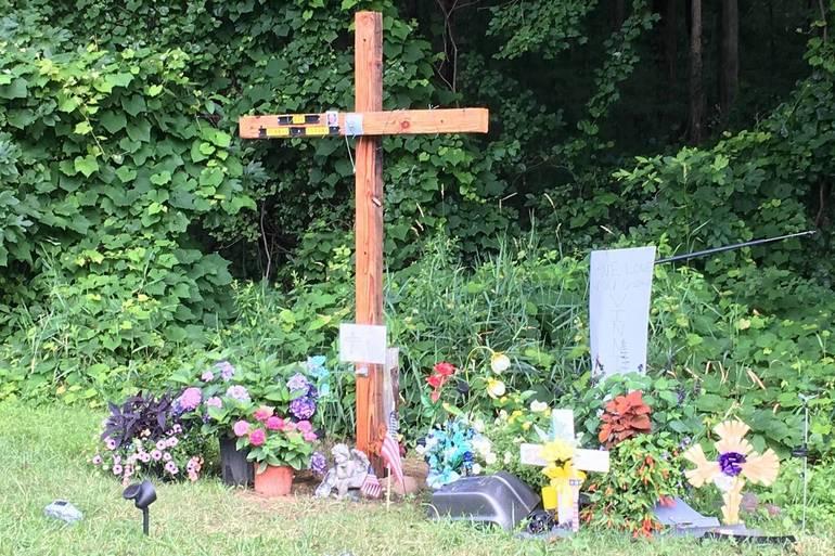 Accident Memorial to V Zitani.JPG