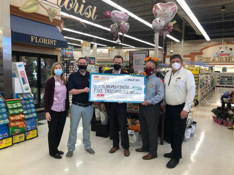 CYO Bromley Center Food Pantry Gets a Big Boost from ACME