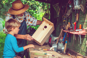 Get Creative and Enjoy The Outdoors With These Summer Crafts