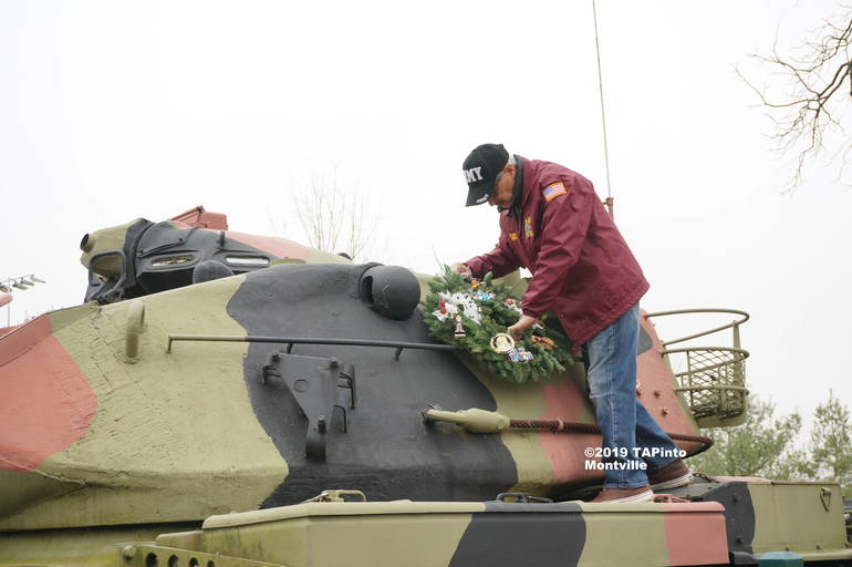a Dom D'Andrea places the wreath ©2019 TAPinto Montville.JPG